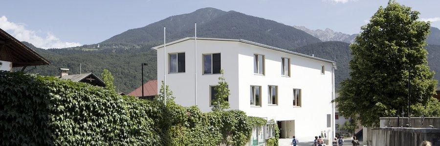 Haus der Kinder und Dorfplatz Inzing